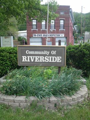 Riverside Moving profile image