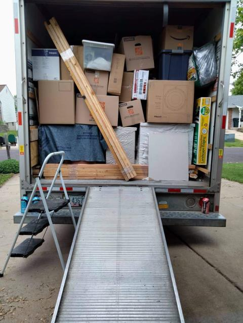 Dependable Movers profile image